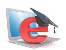 Chapeau d'obtention du diplôme sur E, sur l'ordinateur portable Concept d'apprentissage sur internet 3d rendent Images stock