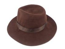 Chapeau de paille de Brown d'isolement sur le chemin de coupure blanc de fond image stock