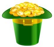 Chapeau de Patrick complètement des pièces d'or Chapeau de vert de Patrick avec la boucle d'or Photographie stock libre de droits