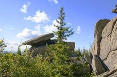 Chapeau de roche Taganay Urals-2 du sud Image libre de droits