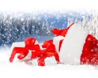 Chapeau de Santa avec des cadeaux Images libres de droits