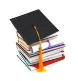 Chapeau et diplôme de diplômé image stock