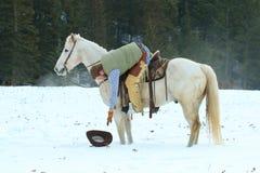 Chapeau laissé tomber par main de cheval sur le tour Photo stock