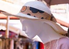 Chapeau pour des femmes images stock