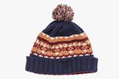 Chapeau tricoté d'isolement sur le fond blanc chapeau avec le pompon Photographie stock libre de droits