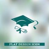 Chapeau vert d'obtention du diplôme avec le degré d'isolement Photographie stock libre de droits