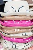 Chapeaux colorés d'été. Photographie stock