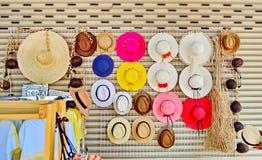 Chapeaux dans le marché/boutique Photographie stock libre de droits