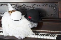 Chapeaux de fantaisie, quelque chose vieille, quelque chose nouvelle photographie stock libre de droits