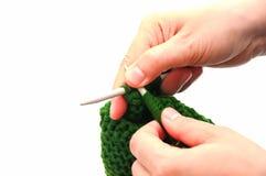 Chapeaux de tricotage de laine à la main Photo stock