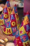 Chapeaux du ` s d'enfants sur l'anniversaire Images libres de droits