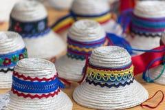 Chapeaux roumains traditionnels pour les hommes de la région de Maramures Image libre de droits