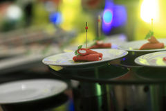 Chapeie com o canape das salsichas Fotos de Stock