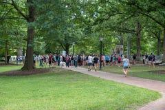 Chapel Hill Северная Каролина, объединенные положения 25-ое августа 2018 - демоны стоковое фото