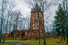 Chapelle 秋天 俄罗斯,普希金, Tsarskoe Selo镇  亚历山大公园 库存图片