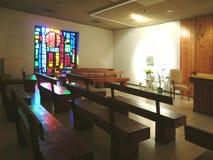 Chapelle avec la fenêtre en verre teinté en Belgique Photo libre de droits