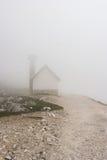 Chapelle de montagne en Italie Images stock
