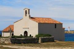 Chapelle de Sainte Croix àLa Couronne,地中海,法国 免版税库存图片