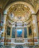 Chapelle latérale dans l'église du ` Agostino de Sant à Rome, Italie Photographie stock