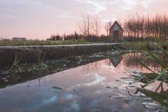 Chapelle reflétée dans le magma Image libre de droits