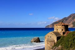 Chapelle sous la mer en Crète, Grèce Photos libres de droits