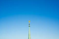 Chapitel con la cruz cristiana Fotografía de archivo