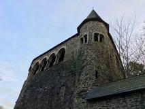 Chapitel/torre del castillo del Burg y de x28; Schloss Burg& x29; en Burg un der Wupper Solingen en luz hermosa del sol imagen de archivo libre de regalías