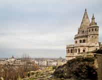 Chapiteles del bastión en la colina vieja del castillo Foto de archivo