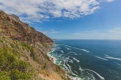 Chapman ` s szczytu przejażdżka wzdłuż skalistego nabrzeżnego krajobrazu w Kapsztad Zdjęcia Royalty Free