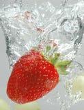 Chapoteo de la fresa Fotos de archivo