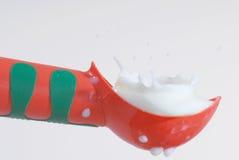 Chapoteo de la leche Fotos de archivo libres de regalías