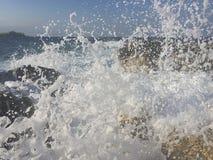 Chapoteo de la ola oceánica Imagenes de archivo