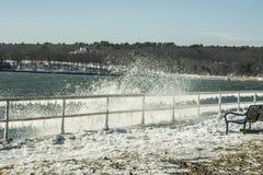 Chapoteo del invierno Imagenes de archivo