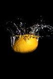 Chapoteo del limón Foto de archivo