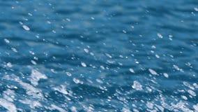 Chapoteo del movimiento rápido del océano almacen de metraje de vídeo