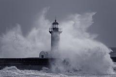 Chapoteo grande de la ola oceánica Fotos de archivo libres de regalías