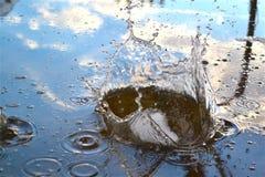Chapoteo grande del agua Foto de archivo