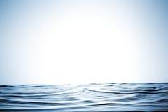 Chapoteo hermoso del agua imagen de archivo
