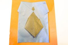 Chaqueta del traje con el lazo El papeleo de los niños fotografía de archivo