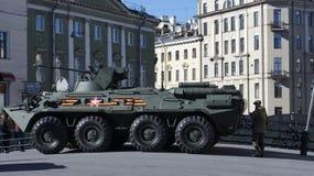 Char d'assaut dans le St Petersbourg Image libre de droits