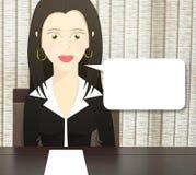 Charakter kobieta ubierał jako biznesowej kobiety obsiadanie przy stołem i pustym papierem na stole Zdjęcia Royalty Free