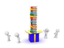 Charaktere 3D mit Geschenkbox und Stapel Büchern Stockfotos