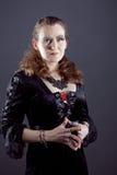Młode kobiety w czerni tęsk suknia Fotografia Stock