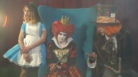 Charaktery od Alice w krainie cudów w dymu zbiory