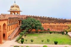 Charbagh-Garten in Jaigarh-Fort nahe Jaipur, Rajasthan, Indien Lizenzfreie Stockfotografie