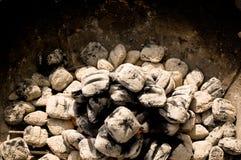 Charbon de bois rougeoyant Image stock