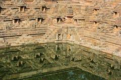 Charca del templo de Sun, Modhera, la India Imagen de archivo libre de regalías