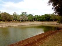charca en el anuradapura Sri Lanka imagen de archivo