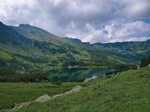 Charca en el Tatras occidental imagen de archivo libre de regalías