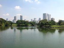 Charca en un parque en Tokio Fotos de archivo libres de regalías
